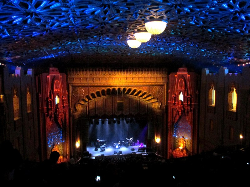 The Fox Theater in Oakland... such a grand venue!